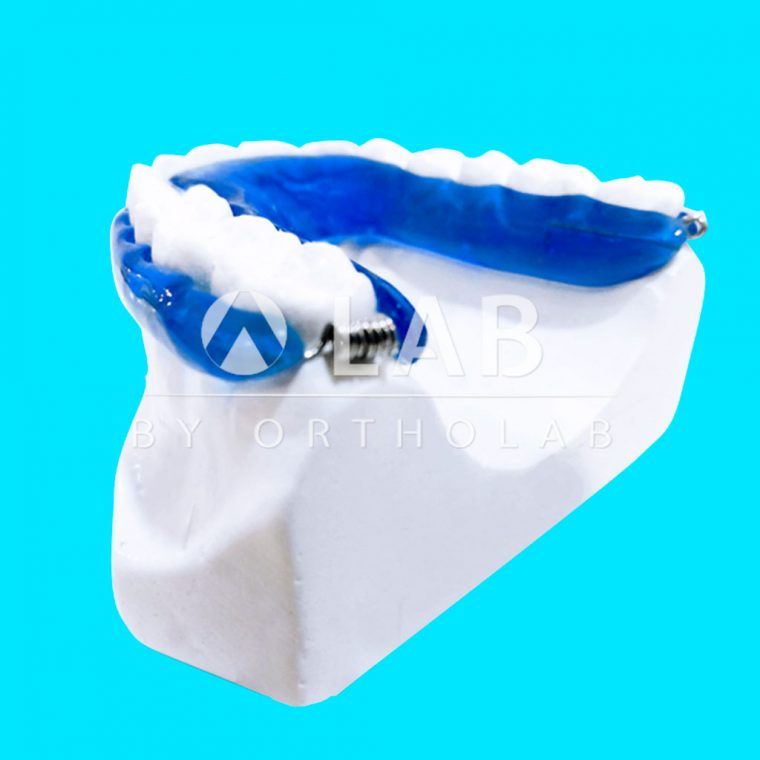 Retenedor Neocentaloi Aparatologia Ortodoncia